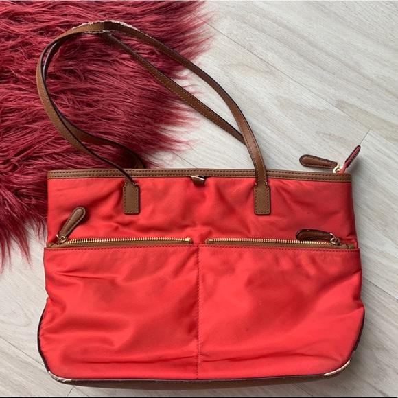 25e497e590 Michael Kors purse handbag red   brown. M 5c6e0cc3534ef98a74218987